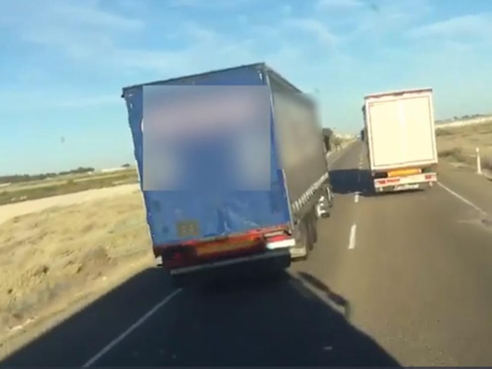 """Dos camioneros, detenidos por """"despreciar la vida"""" del resto de viajeros"""