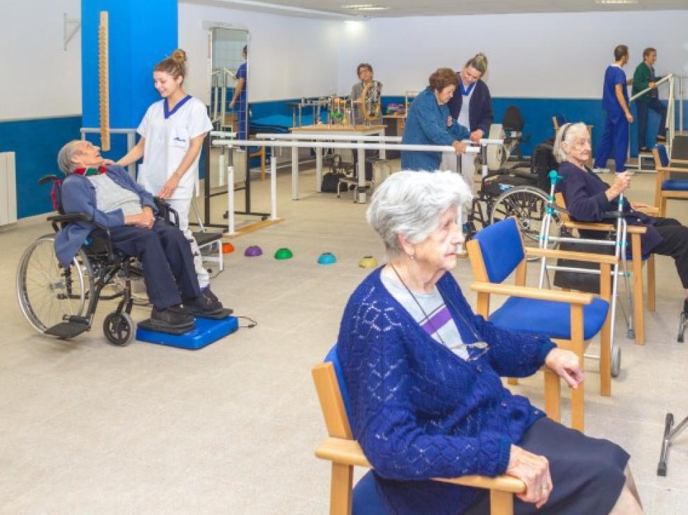 En Residencia Albertia realizan varias actividades que mejoran la movilidad de los mayores.
