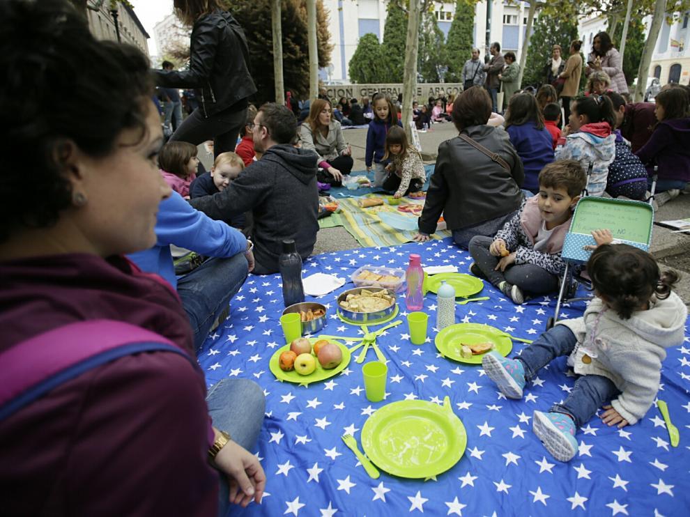 Un pícnic para reclamar mayor calidad en los comedores escolares ...