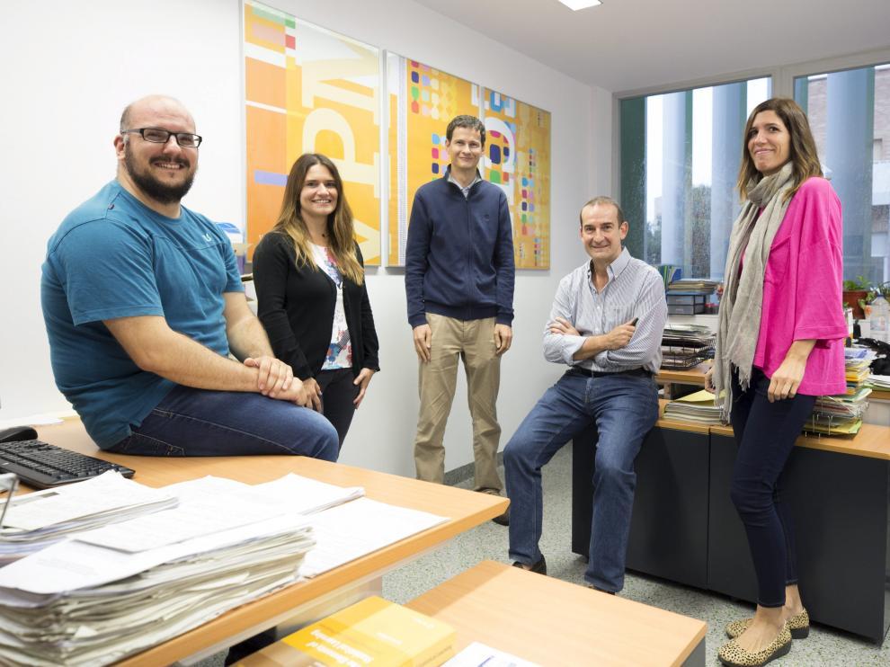 Francisco R. Estupiñán, Natalia Martínez, Ramón Launa, Enrique Bernal y Miriam Seral, parte de los investigadores del proyecto.