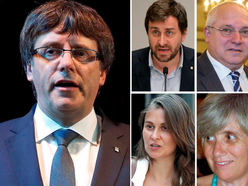 Puigdemont y los cuatro exconsejeros que le acompañan en Bruselas.