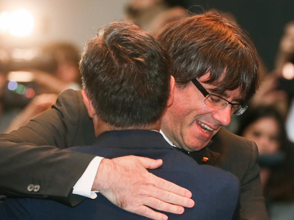 Puigdemont acude al acto de los alcaldes en Bruselas para agradecerles su apoyo