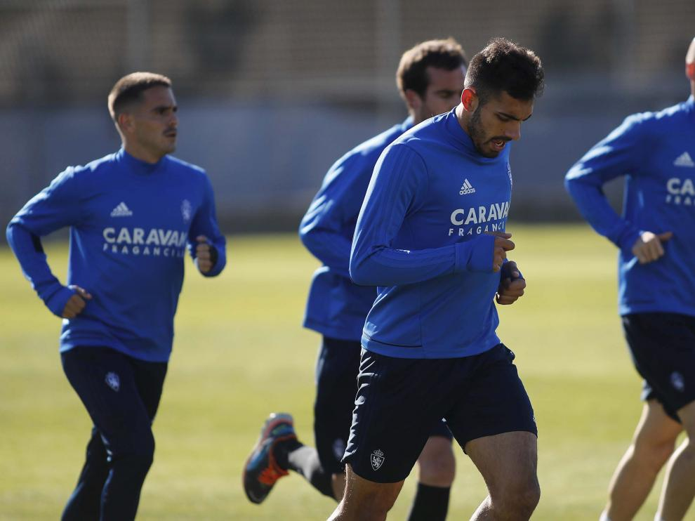 Javi Ros, Mikel González, Borja Iglesias y Toquero durante la sesión de recuperación de este lunes en la Ciudad Deportiva.