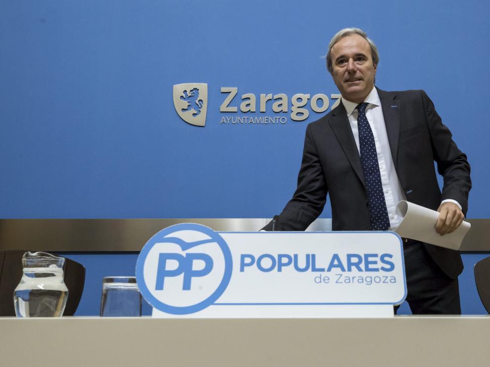Jorge Azcón, en una comparecencia en el Ayuntamiento de Zaragoza.