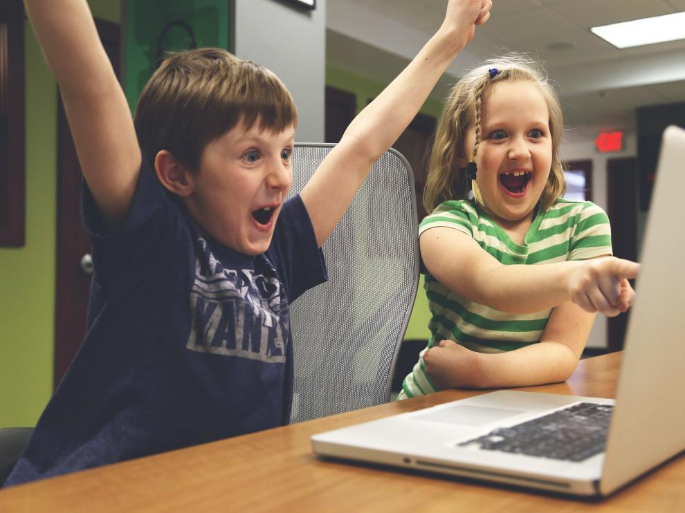 Los juegos que precisen la superación de obstáculos pueden ayudar a los niños a dominar sus miedos y sobreponerse a ciertas adversidades