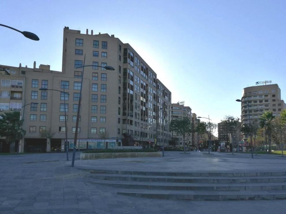 La plaza de la Ciudadanía, donde retiraron los bancos que ahora están en la plaza de España