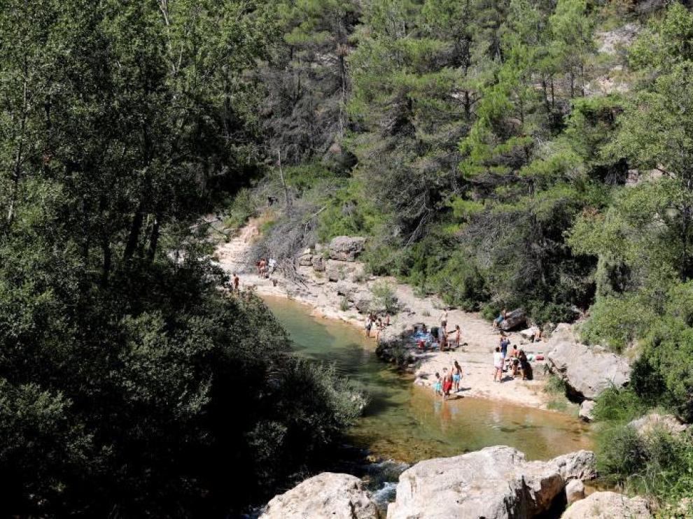 Zona de baño del Mijares a su paso por Olba.
