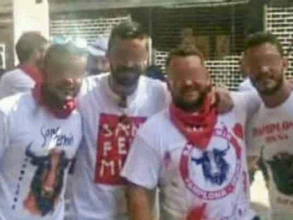 Los cinco amigos sevillanos, autodenominados como 'la manada', juzgados por una presunta violación múltiple en las fiestas de San Fermín.