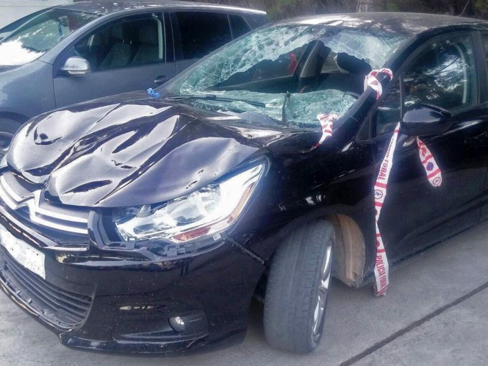 Estado en el que quedó el vehículo que atropelló al zaragozano el pasado 16 de abril en Tudela,