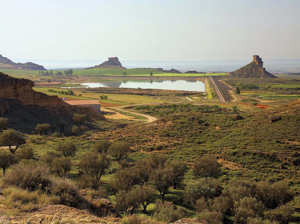 Vista de los torrollones de La Gabarda, desde el yacimiiento de Las Sillas.