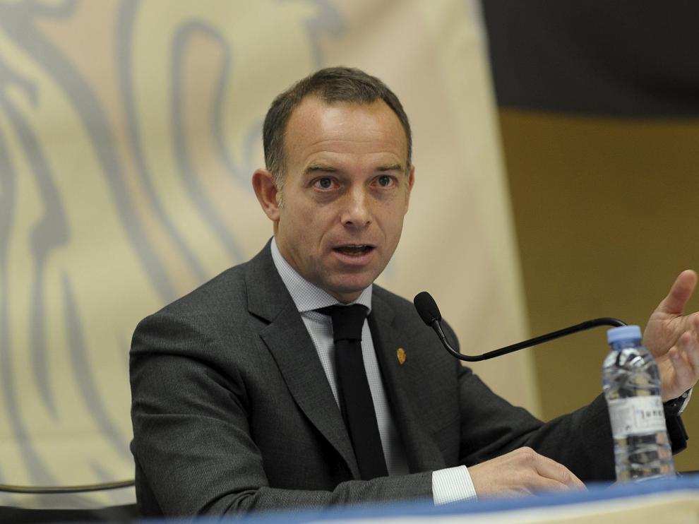 El presidente del Real Zaragoza, Christian Lapetra, en una Asamblea General