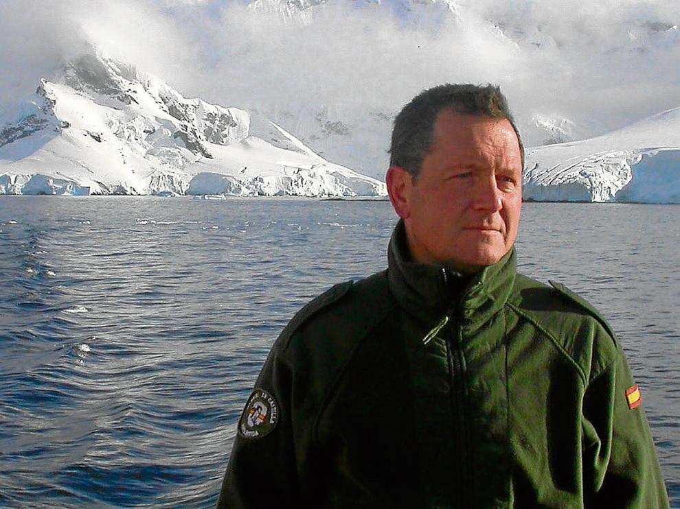 El coronel Jesús Sánchez Loureiro, durante su estancia en la base Gabriel de Castilla en la campaña 2005-2006.