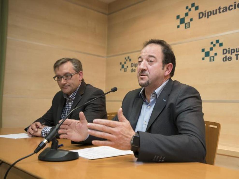 Ramón Millán -a la derecha- y Joaquín Juste, durante una rueda de prensa en la DPT.