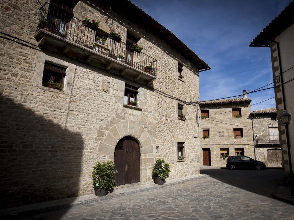 Calle de Bailo, municipio al que pertenece el núcleo de Arbués.