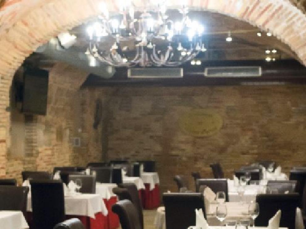 La cocina tradicional aragonesa es la especialidad de la Lobera de Martín.
