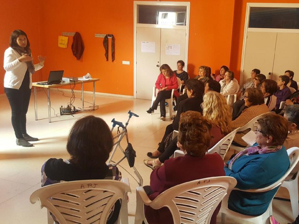 Asistentes a uno de los talleres para la prevención de la violencia machista en la Comarca de la Comunidad de Teruel.
