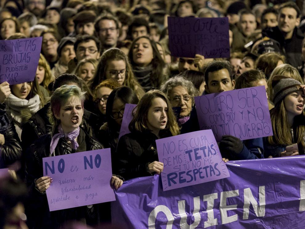 Concentración en Zaragoza contra la violencia machista.