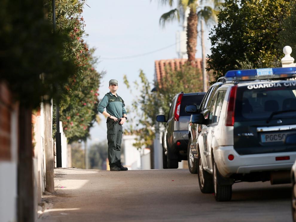 Un alemán de 41 años mató este sábado en Vinaroz (Castellón) de un disparo en la sien a su expareja