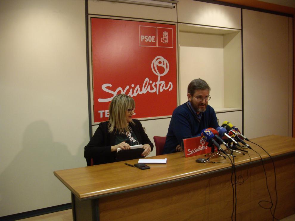 Perla Borao e Ignacio Urquizu, durante la rueda de prensa en la que reclamaron mejoras en la N-330.