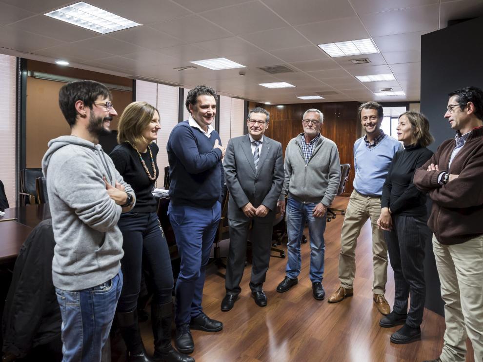 Miembros de la Plataforma del Tercer Sector de Aragón, antes de que diera comienzo la reunión