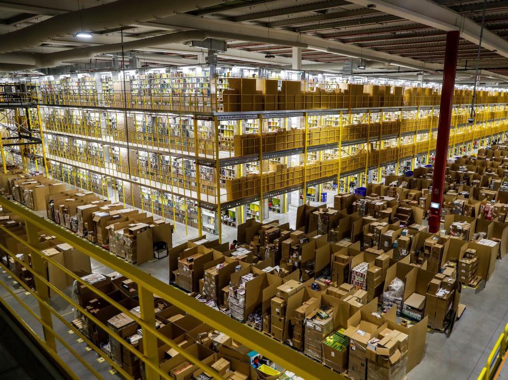 Una de las naves de distribución de Amazon.