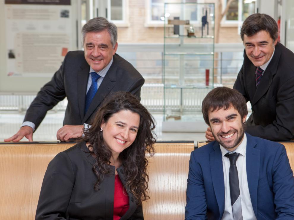 De izquierda a derecha y de arriba abajo: Rafael Bachiller, Enrique Viguera y Ana Grande (ambos de Encuentros con la Ciencia-Málaga) y Fernando Gomollón