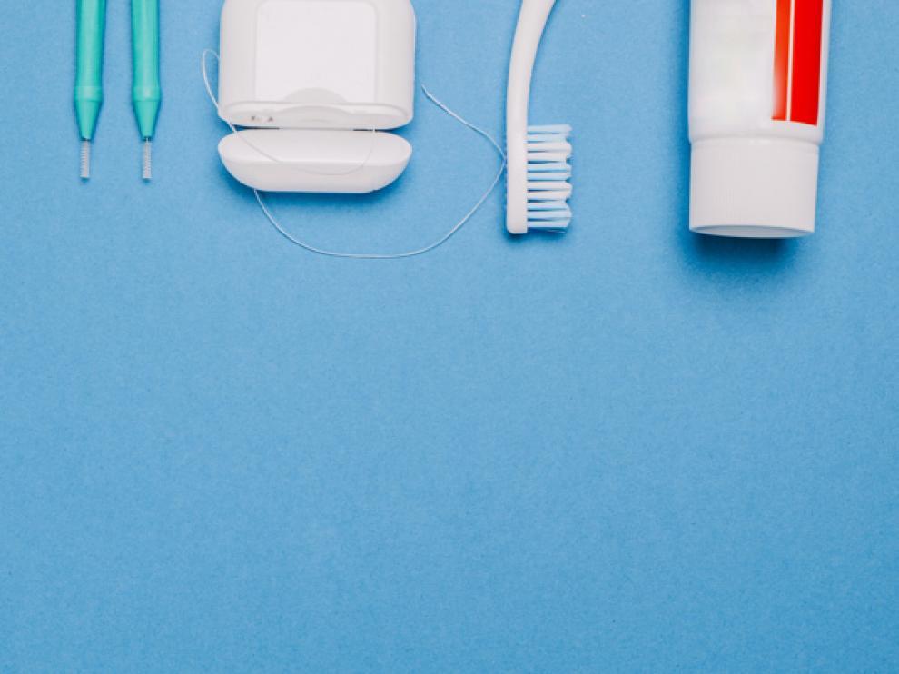 Además de una buena higiene dental, ciertos alimentos pueden prevenir la inflamación.