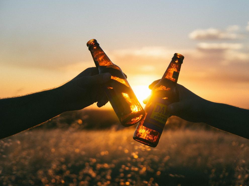 Un consumo responsable de esta bebida puede beneficiar a tus huesos e incluso a tu corazón.