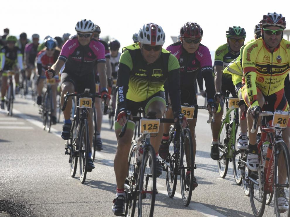 Ciclistas en Huesca