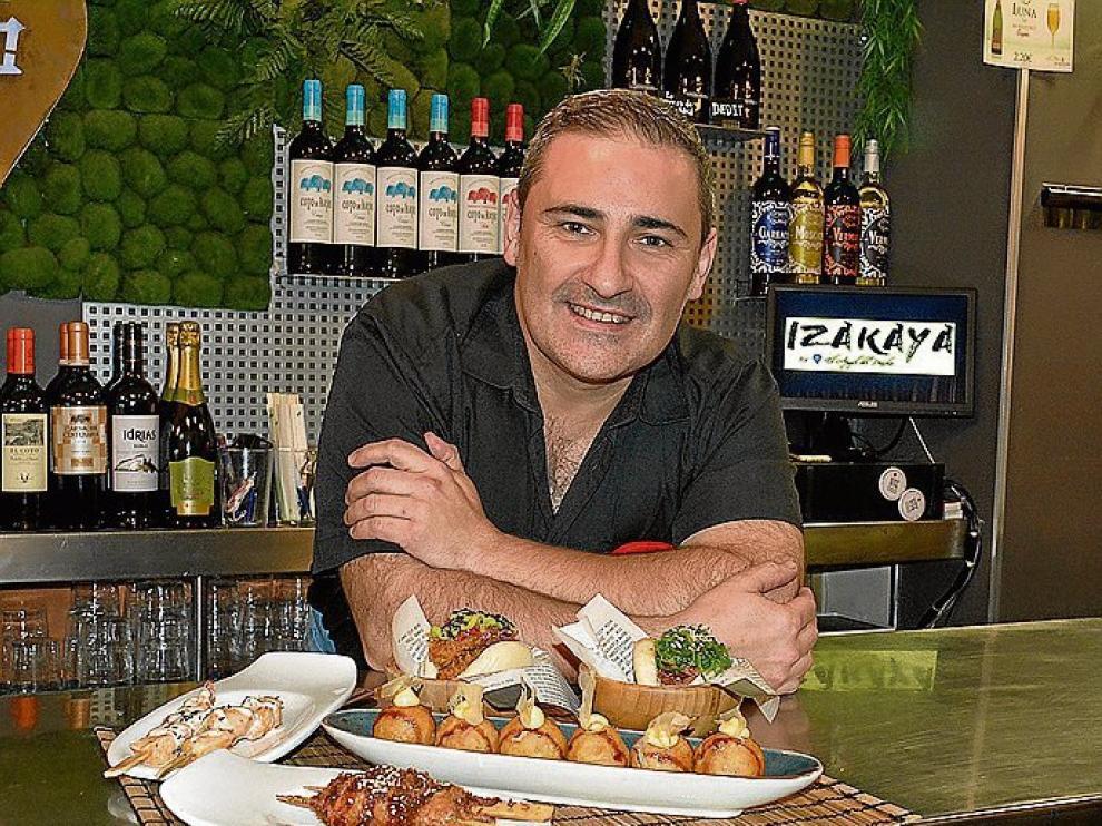 Carlos Gregorio, en la barra de Izakaya.
