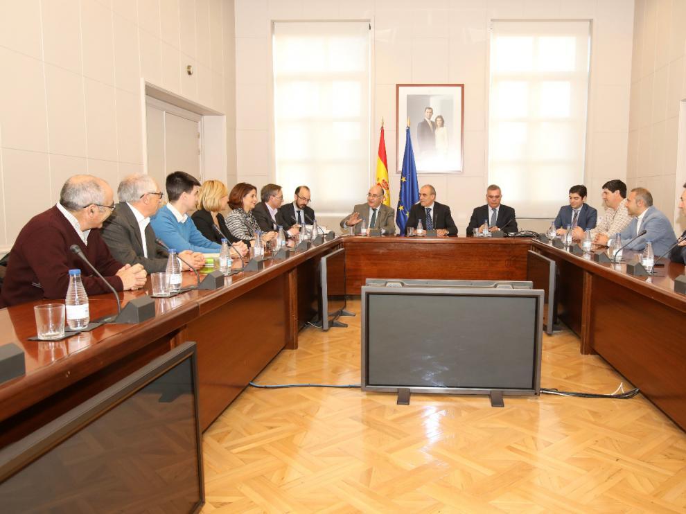 Reunión de alcaldes afectados por la N-330 con el secretario general de Infraestructuras, en el Ministerio de Fomento.
