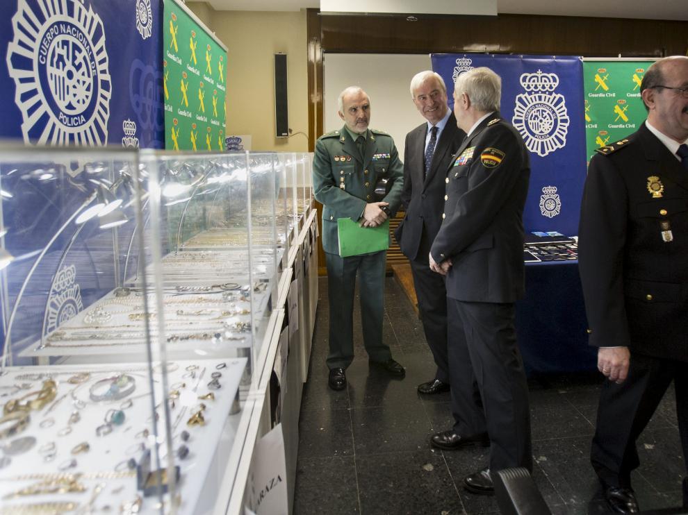 Imagen de las joyas recuperadas por la Policía, el día que fue presentada la desarticulación de la banda.