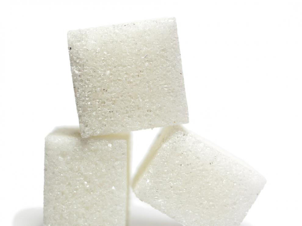 El azúcar está presente en multitud de productos que se consumen a diario y su elevada ingesta es perjudicial para la salud.