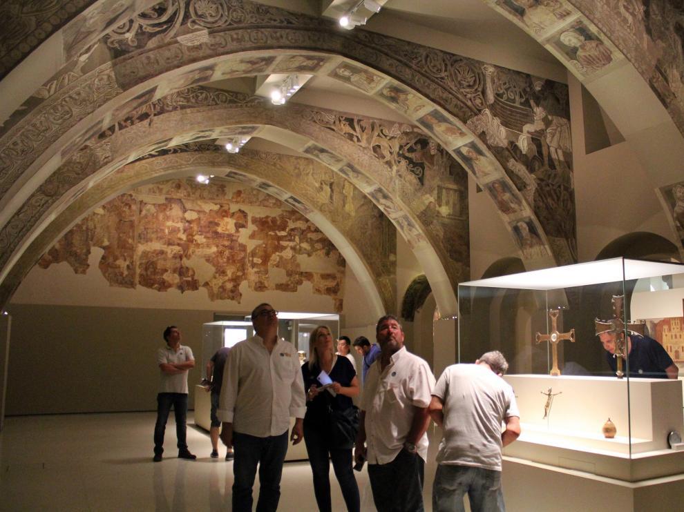 Pinturas murales del monasterio de Sijena que se exhiben en el Museo Nacional de Arte de Cataluña.