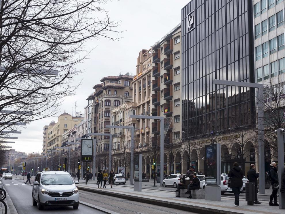 Edificio de Ibercaja, en la antigua sede de Caja Inmaculada, en el paseo de la Independencia