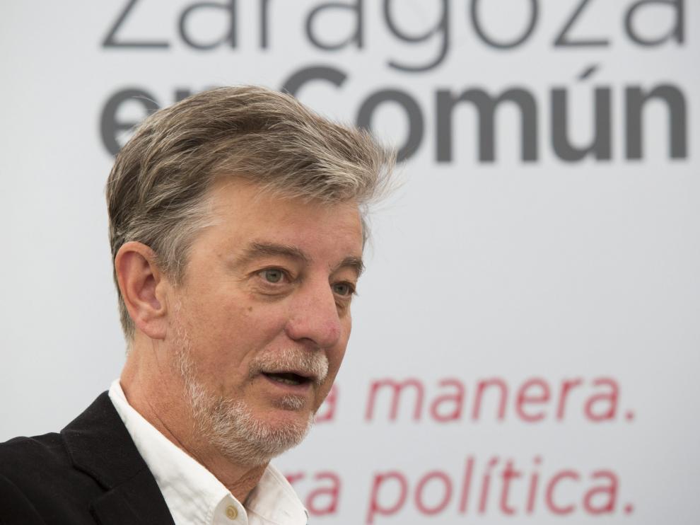 Pedro Santisteve, durante la campaña electoral de 2015.