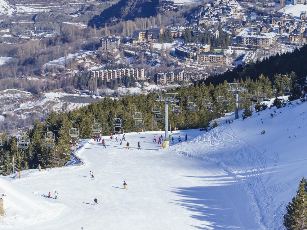 En Cerler, esquiarás desde lo más alto.