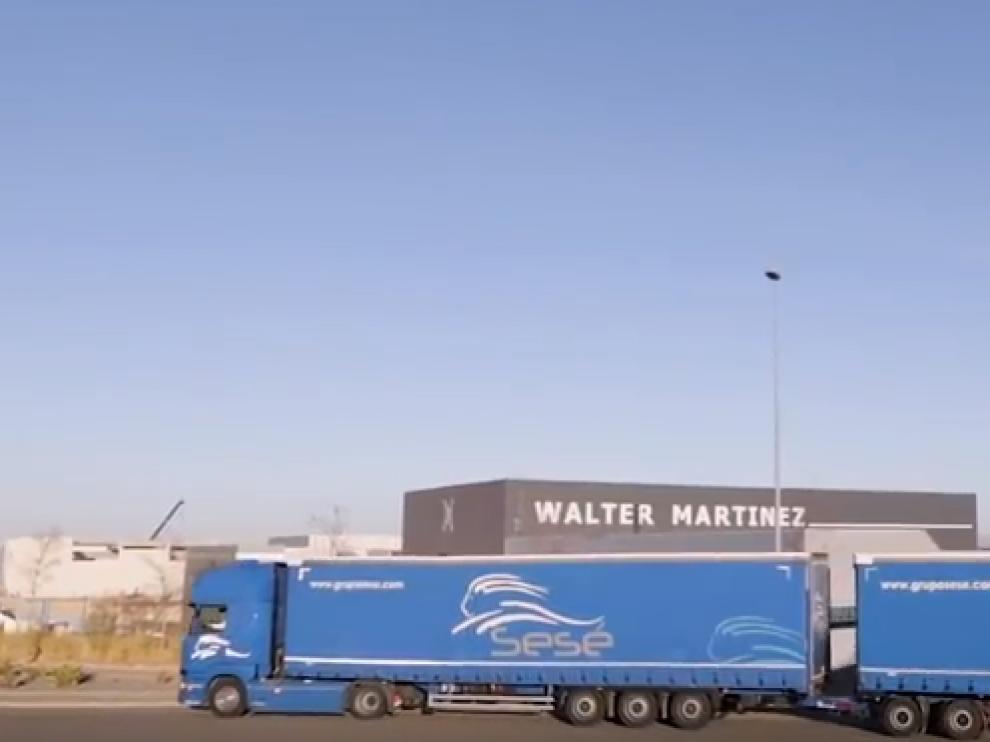 Un camión de más de 31 metros de largo circula por primera vez entre Zaragoza y Madrid