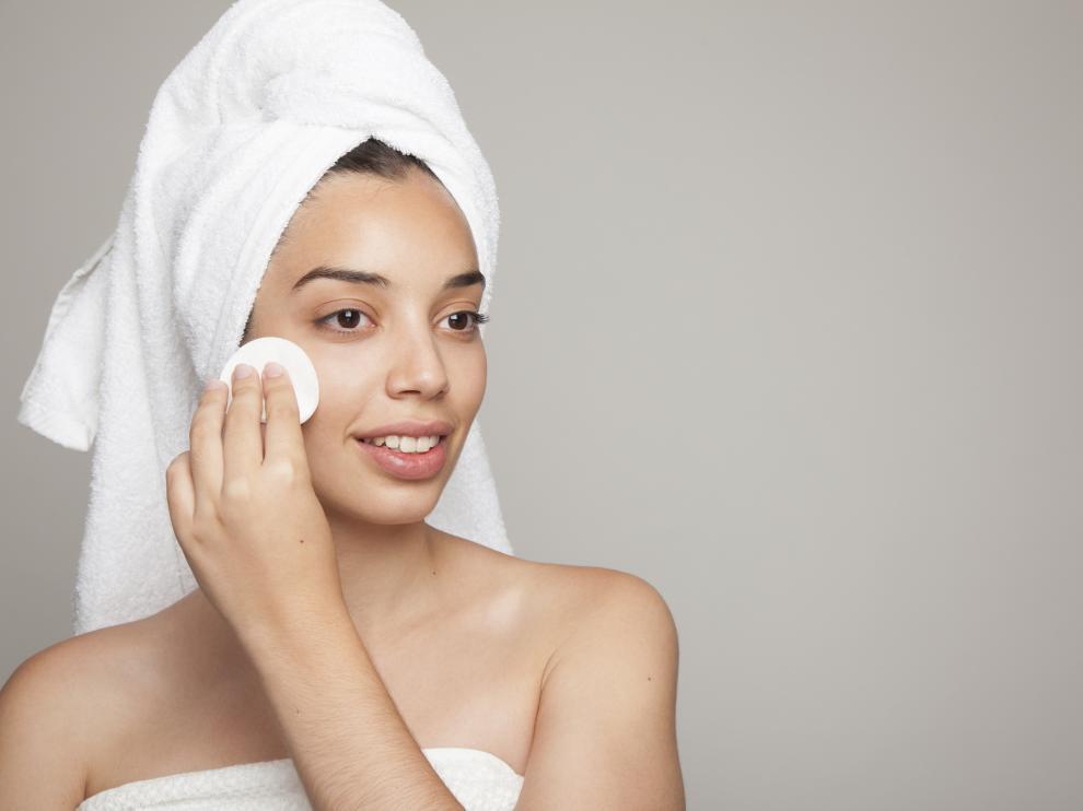 La mayoría de los españoles usa cosméticos y sigue rutinas de belleza para sentirse mejor consigo mismo.