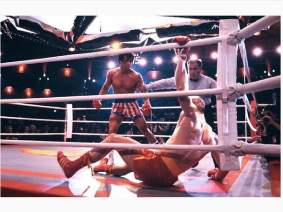 Balboa (Stallone) combatiendo en una de las secuelas de la saga 'Rocky'.