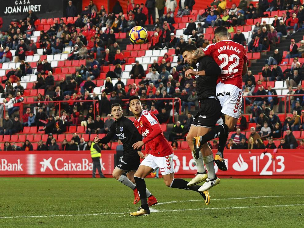 El segundo gol del Huesca, que llegó en el minuto 77, tras varios remates en una misma jugada.