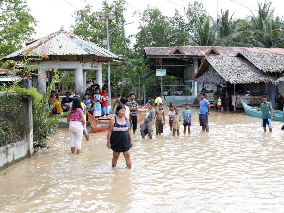 Inundaciones en Filipinas a causa de la tormenta tropical.