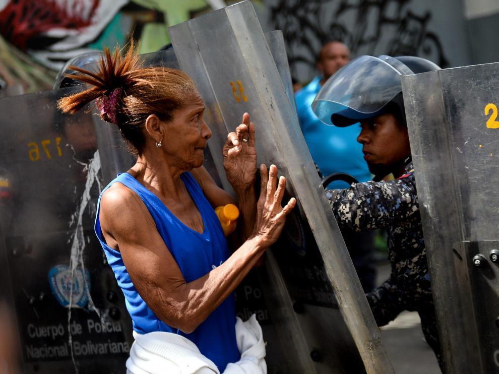 Imagen de una protesta por la escasez de comida en Venezuela.