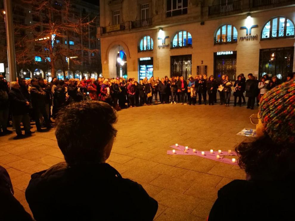 Imagen de archivo de una concentración en Zaragoza en contra de la violencia machista.