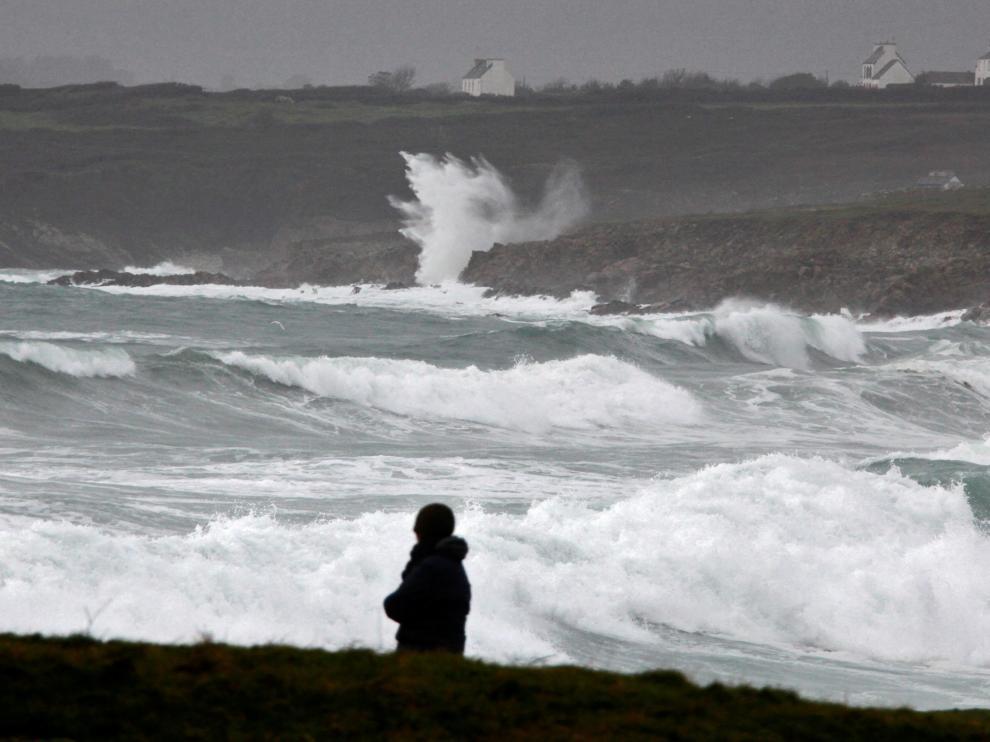 El oleaje a causa de la tormenta Eleanor podría causar inundaciones