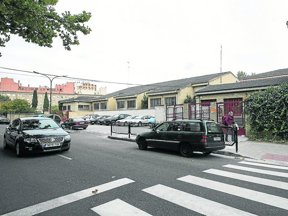 Imagen del colegio San Felipe, en el Picarrral, en el que la DGA pretende acondicionar un instituto.