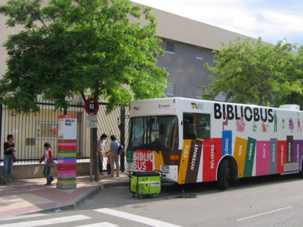 Bibliobús en Zaragoza.