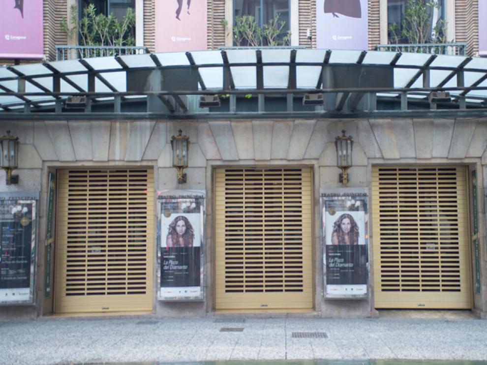 Persianas automáticas troqueladas de aluminio para el Teatro Principal de Zaragoza