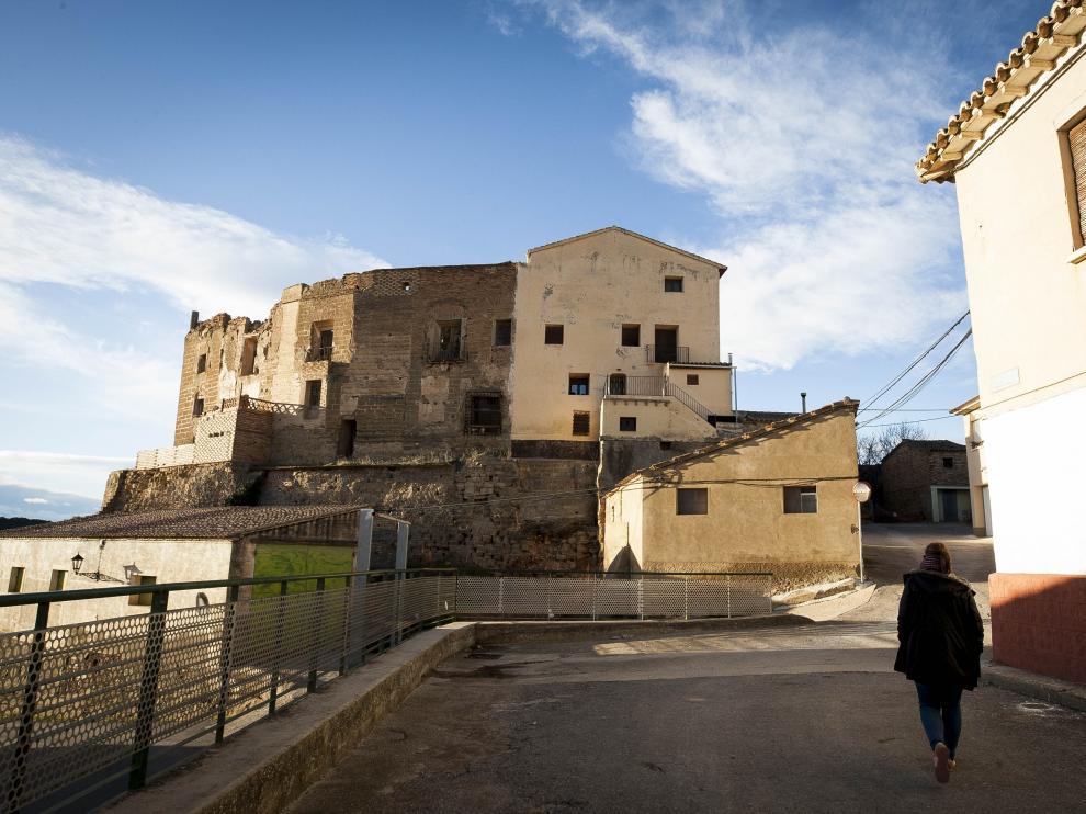 La edificación del castillo de Argavieso preside el paiasje urbano del municipio.