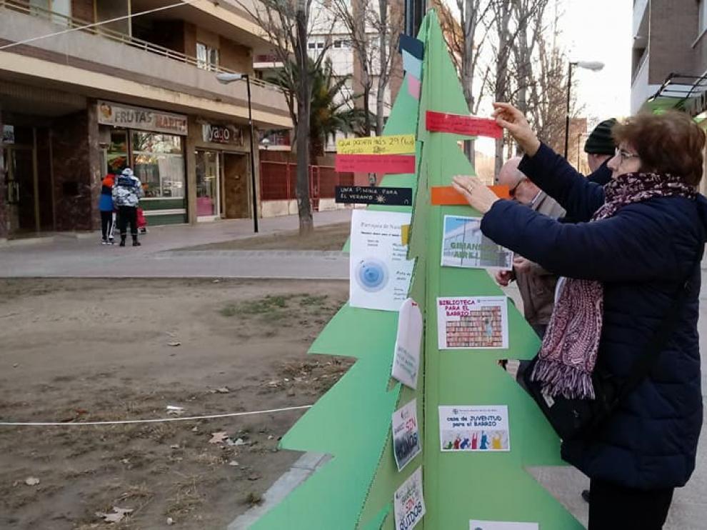 Los vecinos del Picarral han colgado sus peticiones para mejorar el barrio
